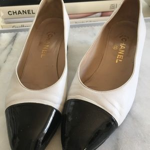 Chanel Vintage Cap Toe Block Heel Pump